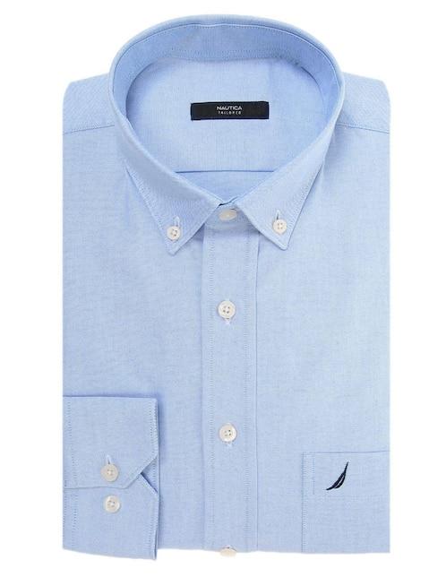 6ece94cae Camisa de vestir Nautica corte regular fit cuello button down algodón azul  claro