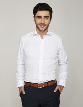 d7a967b7e8484 Camisa de vestir Puroego cuello italiano corte sli.